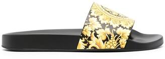 Versace Barocco-print slides