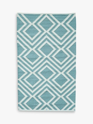 Camilla And Marc Weaver Green Iris Recycled Plastic Indoor & Outdoor Rug, L240 x W170 cm