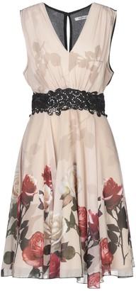 KITANA Knee-length dresses