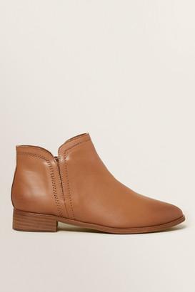 Seed Heritage Tan Boot