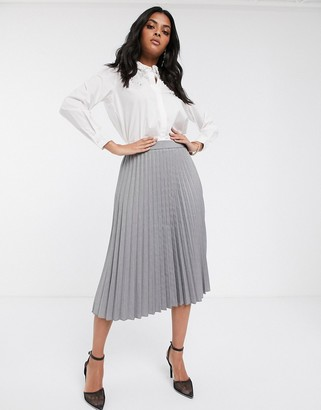 Vero Moda pleated midi skirt in light grey check-Brown