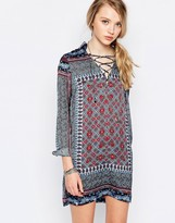 Daisy Street Shift Dress With Lace Up Detail In Scarf Print