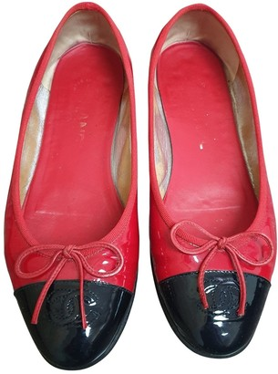 Chanel Red Patent leather Ballet flats