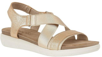 Fallon Lotus Shoes Flat Open-Toe Sandals