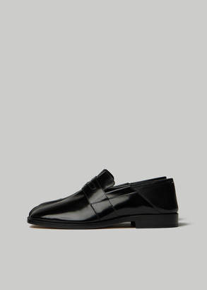 Maison Margiela Women's Tabi Loafer With Back Fold In Brushed Leather Shoes Size 39