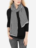 The Limited Soft Patterned Scarf
