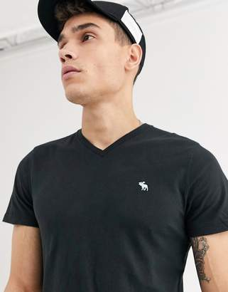 Abercrombie & Fitch icon logo vneck t-shirt in black
