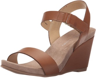 Chinese Laundry Women's Tangie Wedge Sandal