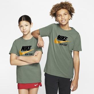 Nike Big Kids' T-Shirt Sportswear New York