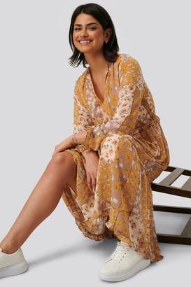 NA-KD V-Neck Flower Print Chiffon Dress