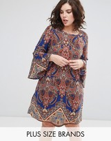 Alice & You Paisley Printed Dress With Fluted Sleeve