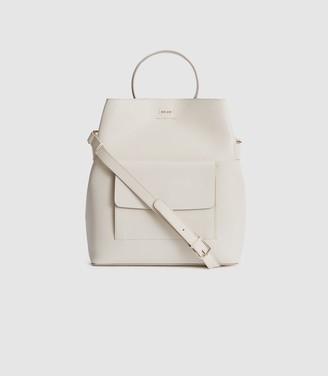 Reiss Freya - Leather Tote Bag in Off White