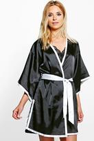 Boohoo Eva Contrast Hem Kimono Sleeve Satin Robe