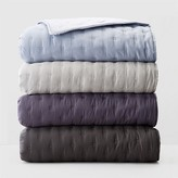 Vera Wang Luster King Quilt