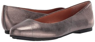 Gentle Souls by Kenneth Cole Eugene Ballet (Pewter) Women's Shoes