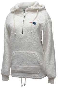 5th & Ocean Women's New England Patriots Sherpa Quarter-Zip Pullover