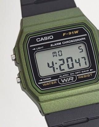 Casio F-91WM-3AEF unisex digital silicone watch in black/green