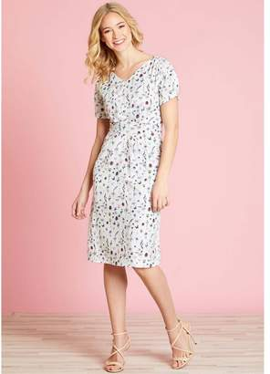 Yumi Floral Print Midi V-Neck Dress