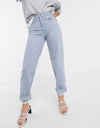 And other stories & straight leg jeans in washed blue