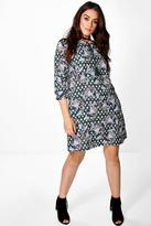 Boohoo Plus Lizzy Tassel Detail 3/4 Sleeve Shift Dress green