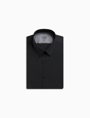 Calvin Klein Extreme Slim Fit Solid Point Collar Temperature Regulation Dress Shirt
