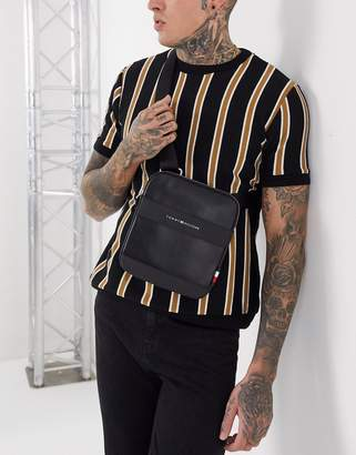 Tommy Hilfiger city mini crossover flight bag-Black