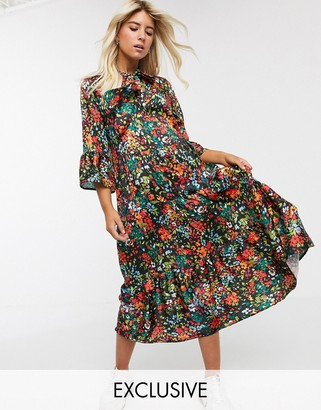 Twisted Wunder smock midi dress in floral print-Multi