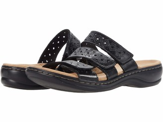 Clarks womens Leisa Spice Flat Sandal