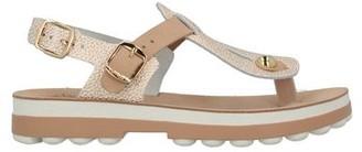 FANTASY SANDALS Toe strap sandal