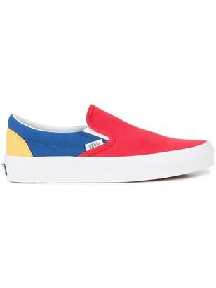 Vans Yacht Club classic slip-on sneakers