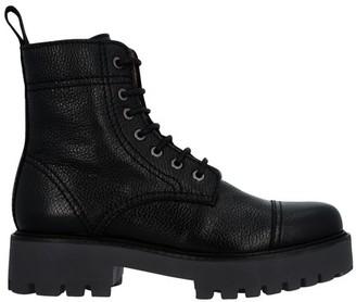 ALEXACHUNG Alexa Chung Flat ankle boots
