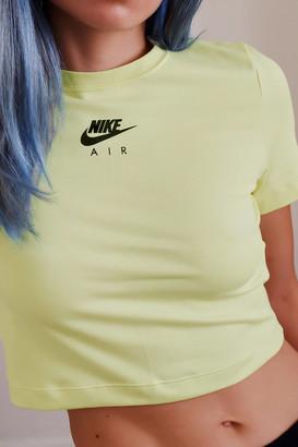 Nike Short Sleeve Cropped Tee