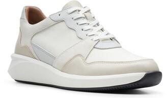 Clarks Un Rio Run Lace-Up Sneaker
