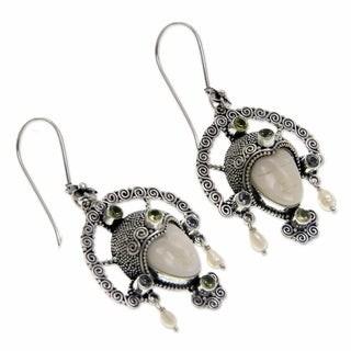Novica Handmade Queen of Plumeria and Peridot Pendant Earrings