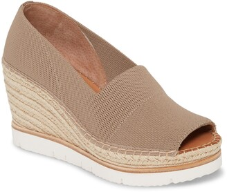 Gentle Souls by Kenneth Cole Elyssa Wedge Sandal