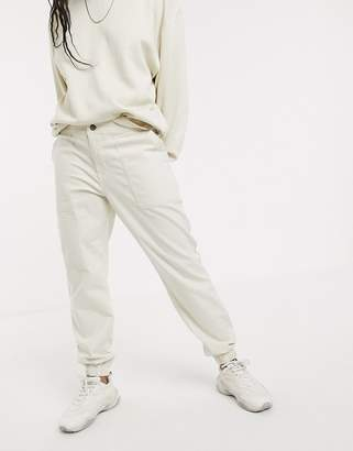 The North Face Moeser jogger in white