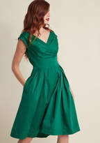Emily And Fin Keener Postures Midi Dress in Clover in XS - Cap Fit & Flare by from ModCloth