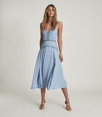 Reiss Alberta - Pleat Detailed Midi Dress in Blue
