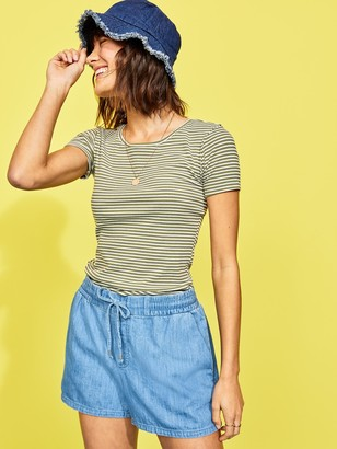 Old Navy Mid-Rise Chambray Pull-On Shorts for Women -- 4-inch inseam