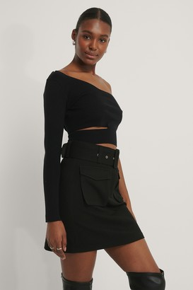 NA-KD Cut Out One Shoulder Knitted Top