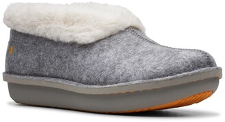 Clarks Step Flow Low Faux Fur Lined Slipper