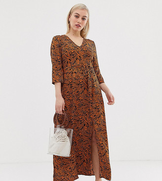 Vero Moda Petite abstract animal maxi dress