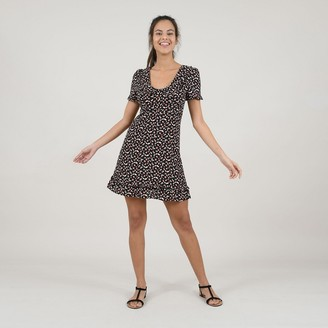 Molly Bracken Buttoned Ruched Dress with Peter Pan Collar and Short Sleeves