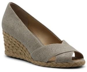 Adrienne Vittadini Women's Bailee Espadrille Wedge Sandal Women's Shoes
