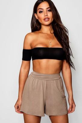boohoo Basic Solid Colour Flippy Shorts