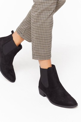 Nasty Gal Womens Don't Walk Away Faux Suede Chelsea Boots - Black