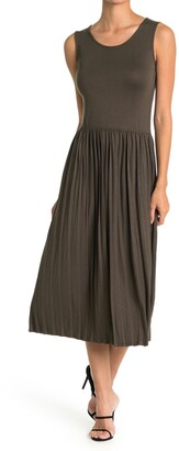 Velvet Torch Pleated Sleeveless Dress