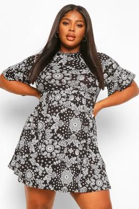 boohoo Plus Bandana Print Smock Dress