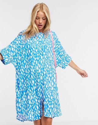 Monki Looki oversize printed short sleeve dress in blue