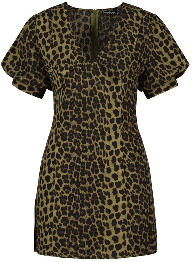 Thumbnail for your product : boohoo Leopard Print Plunge Puff Sleeve Shift Dress